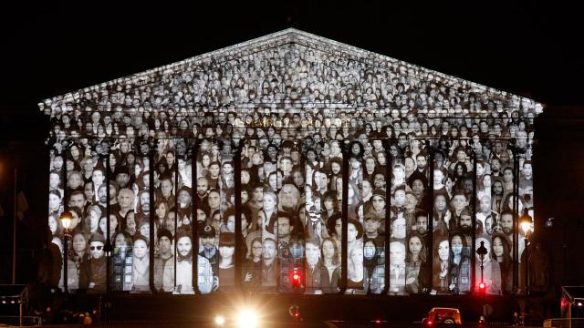 Standing March, COP21 projection, Paris
