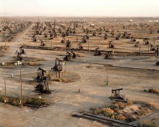 Oil Fields, photo Edward Burtynsky