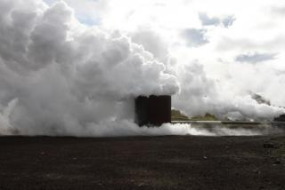 Steam vent at Krafla geothermal power station. Photo: Lisa Paland, 2015.