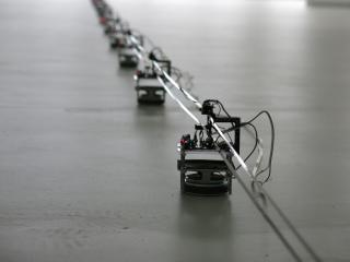 Dopravnník: magnetofonový pásek, reproduktory, motor, elektronika, 110 x 70 x 70 mm/variabilní rozměry  2015, foto: archiv autora